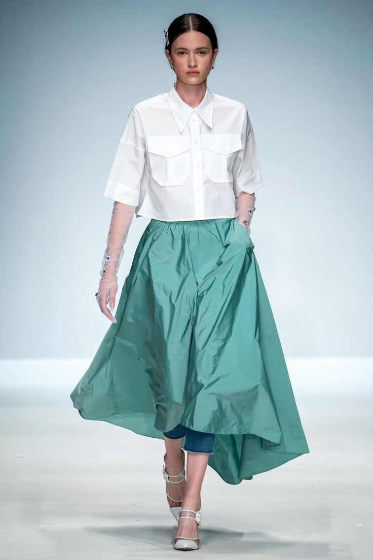 RIANI Berlin Spring-Summer 2020 – Parade
