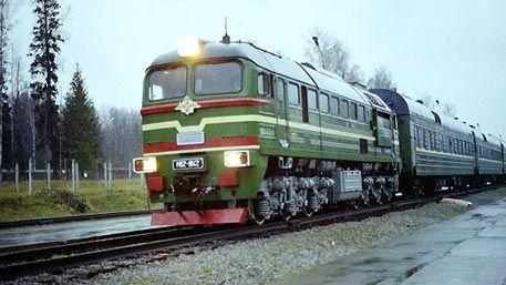 В России готовится к финальному этапу испытаний новое ядерное оружие– боевой железнодорожный ракетный комплекс (БЖРК) «Баргузин», создаваемый на основе его предшественника, БЖРК «Молодец» (SS-24 Scalpel), который стоял на боевом дежурстве с 1987 по 2005 год и был снят с вооружения по договоренности с США от 1993 года.