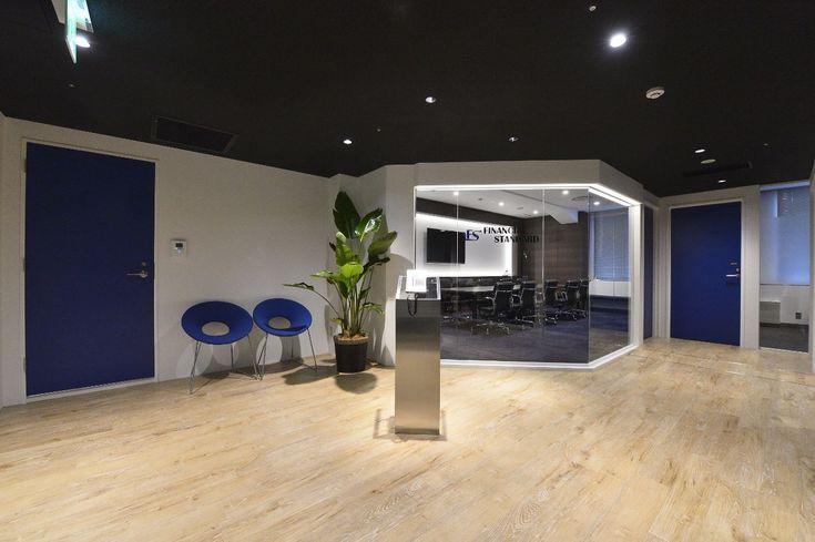 スタイリッシュ × 信頼感 透明感の中に温かみのあるショーケースオフィス|オフィスデザイン事例|デザイナーズオフィスのヴィス