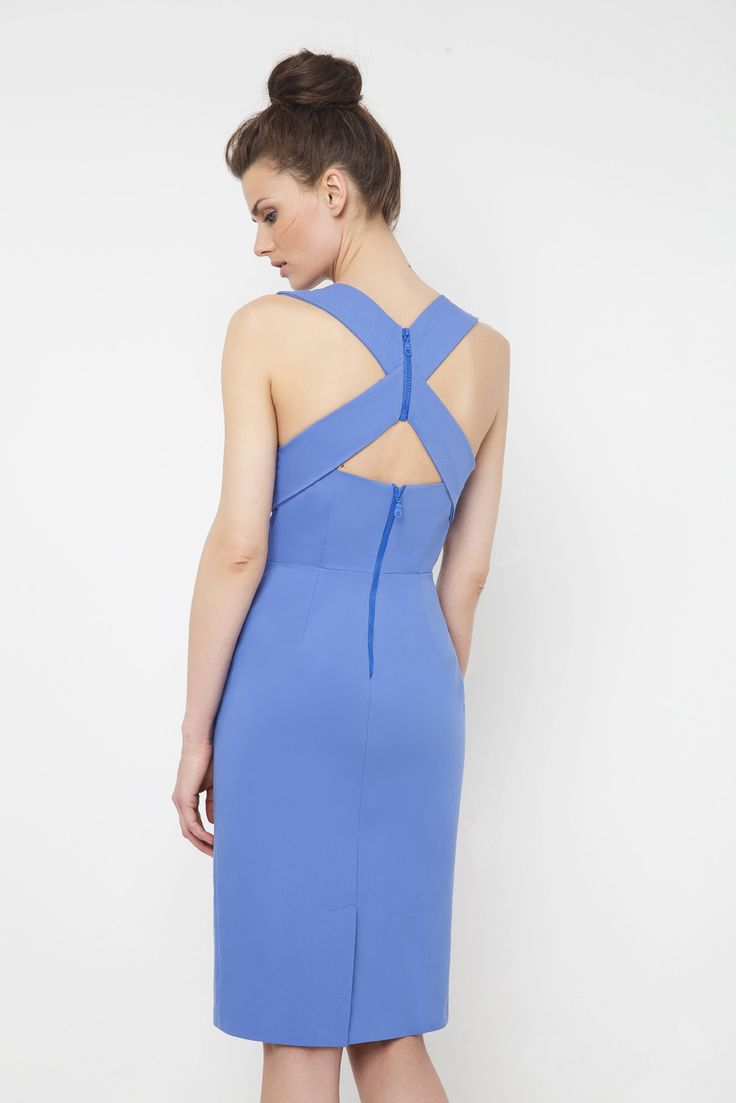 Φόρεμα με V στο στήθος και σχέδιο Χ στην πλάτη
