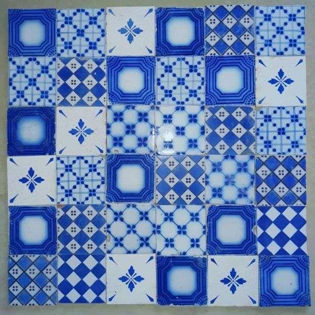Carreaux Anciens De Faience 11 11 Cm A Motifs Bleu Carreaux De