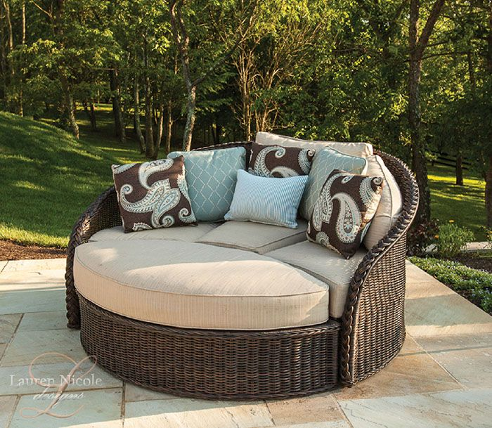 A cozy way to enjoy the sunny weather...get your tan on, get your nap on or read a book in this comfy seat!
