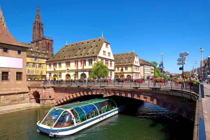 Batorama  Découverte de Strasbourg en bateau  18 Place de la Cathédrale