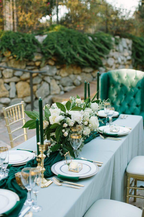 Elegant Emerald Gold Wedding Inspiration Knotsvilla Wedding Ideas Canada Wedding Blog Emerald Wedding Colors Green Themed Wedding Emerald Wedding Decor