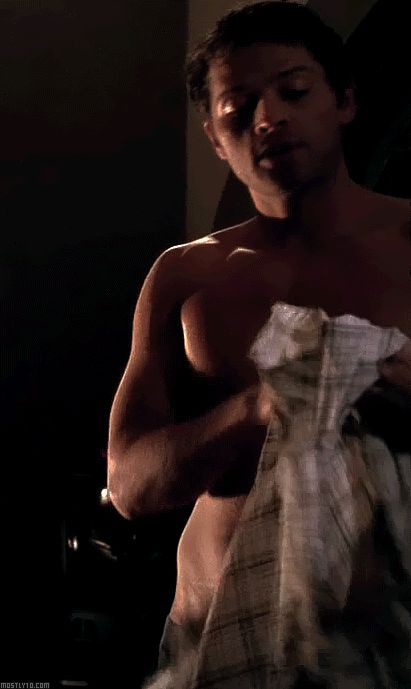 Misha Collins Shirt Off | misha collins #gif #ER #$MCer