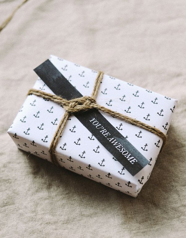 HEY LOOK: FREEBIES: ANCHOR GIFT TAGS & WRAPPING PAPER #gift #wrapping