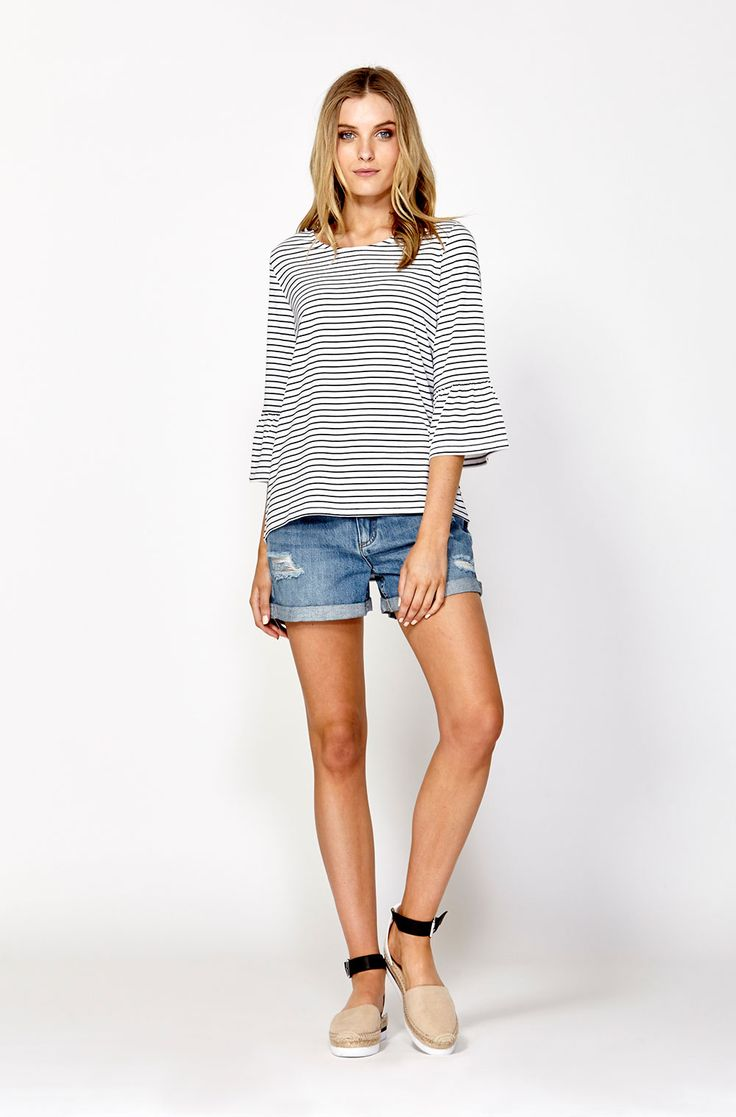 The best of what's new! Shop the Rye Gathered Sleeve Tee in stores and online now www.decjuba.com.au @Decjuba