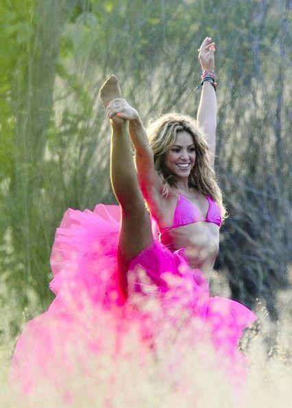 Shakira on a Photo Shoot - Shakira Photo (14148524) - Fanpop   We Heart It