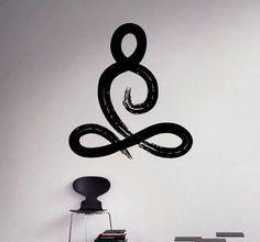 Símbolo de Yoga Pose pared vinilo calcomanía por… Más