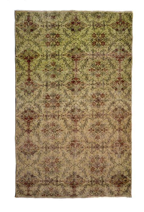 recoloured vintage tapijten en patchwork tapijten  Vintage recoloured en patchwork tapijten handgemaakt in Turkije gemaakt van 100% wolKleur: BEIGEGrootte: 233 x 121 cm  EUR 1.00  Meer informatie