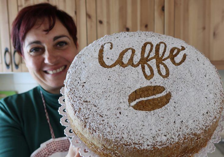 Torta soffice al caffè, una torta facilissima. Impasto pronto in pochi minuti e subito in forno! Provala anche col caffè d'orzo.