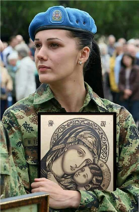 serbian solider holding an icon❤