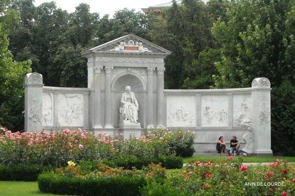 Franz Grillparzer (1791-1872) Monument, Summer 2009, Volksgarten, Wien, Österreich.