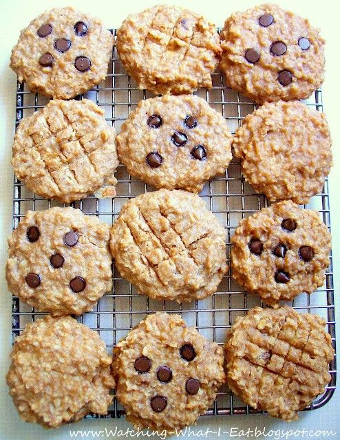 breakfast cookies... grab and go... high protein, no flour or processed sugar...(ingredients: bananas, peanut butter, applesauce, vanilla, quick oatmeal, nuts, optional chocolate chips)