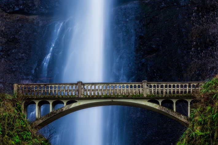 Multnomah Falls, Portland.