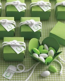 Sailor Knot for Favor Boxes - Martha Stewart Weddings Inspiration
