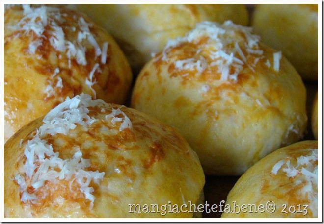 Pãezinhos de cebola e queijo em 30 minutos!