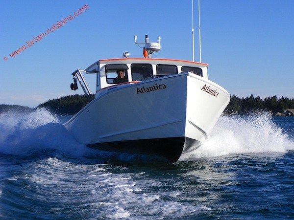 Alec Peasely And His Father Buster Finished The 34 Calvin Beal Atlantica In Just Six Weeks After Receiving The Hull And To Boat Design Boat Building Tuna Boat