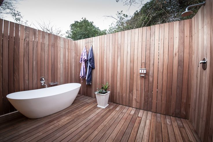 Family Suite - Outdoor Shower and Bath