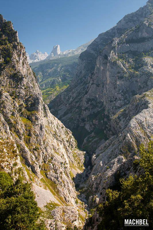 Camino a Bulnes y Pico Urriellu, Picos de Europa, Asturias