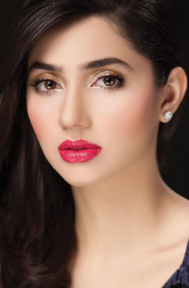 pakistani celebrities for beautiful hair