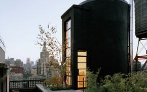 Industrial Sprinkler Tank House Transformed into a Tranquil Rooftop Oasis in NYC