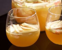 This apple cider champagne punch is a great way to enjoy the fall weather.