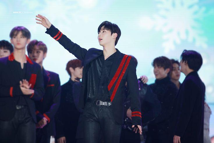 171225 Wanna One at SBS Gayo Daejun #Minhyun