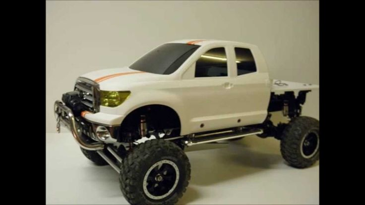 EAC RC Chassis Build  --  Tamiya High Lift Toyota Tundra with Junfac Con...