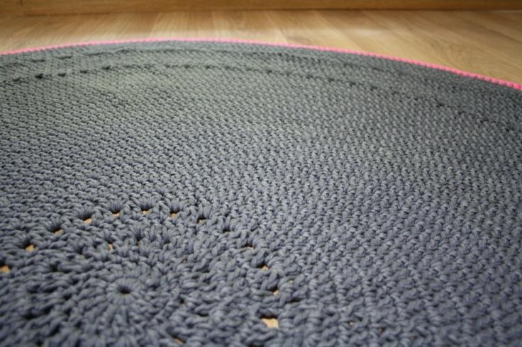 tapis en crochet crochet tapis en crochet crochet tricot. Black Bedroom Furniture Sets. Home Design Ideas
