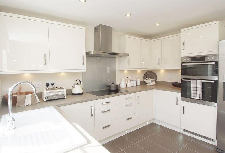 White High Gloss Modern Kitchen Kitchen Layout Modern