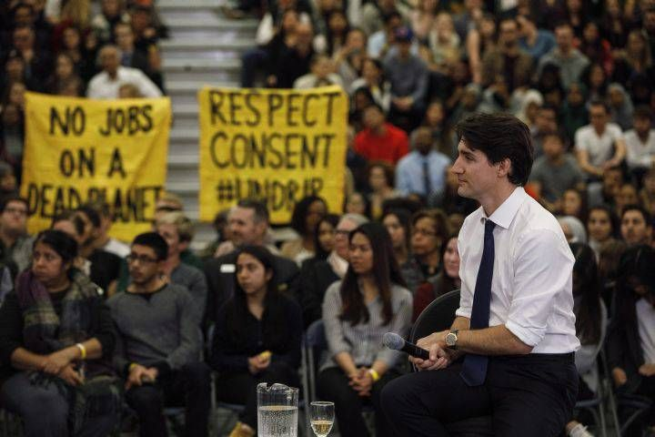 Justin Trudeau's town hall in Edmonton sees him field questions on pipelines, veterans and racism