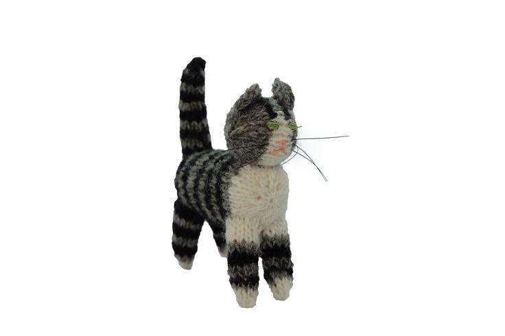 猫のあみぐるみ12   ihanaa−北欧とバルト三国の毛糸と 雑貨のセレクトショップ