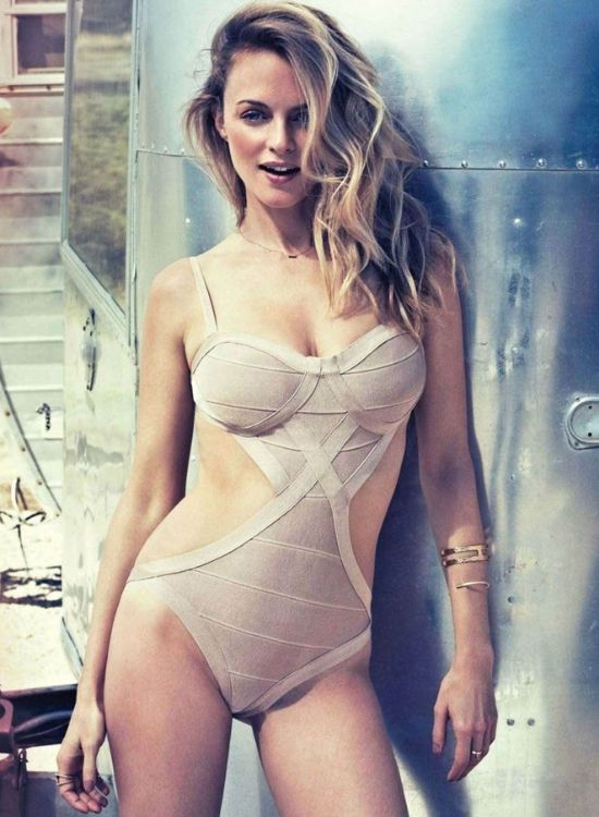 Wellness Wednesday: Celebrity Fitspiration Heather Graham