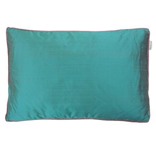 Naam: Piping aqua Maten: 60x40 cm Materiaal: 100% zijde Specificatie: handgemaakt, verkrijgbaar in 5 kleuren