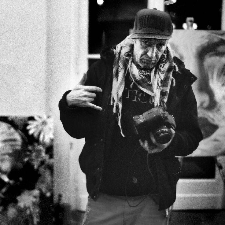 Frank Schröter alias #Rosco #Graffiti #Artist und #Fotograf im #Elisenbrunnen #Aachen Das Foto ist Teil meiner #Ausstellung in der #RaststätteAachen vom 10.-12. Februar (http://j.mp/2jWVcxr). #Latergram. Irgendwann 2014 oder so war das. #ig #t