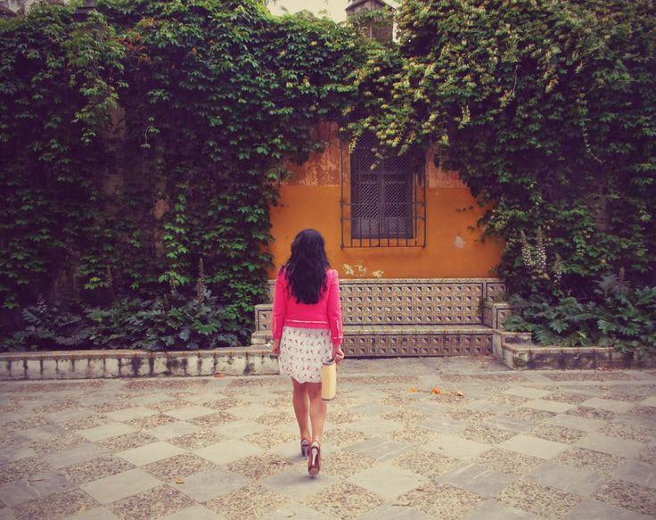 Bird Print Dress @puralopezshoes #shoes @Primark dress and purse @tourisminspain #sevilla