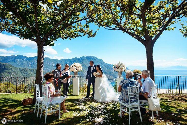 СВАДЕБНЫЙ ТУР Мечтаете о свадьбе за границей? Планируйте свадебный тур вместе с экспертом!Руководитель свадебного агентства NM weddings&events @nmevents Наталья Мануковская отвечает на ваши главные вопросы! В новом номере BRIDE @brideandstyle и на bridemag.ru Фото: Alex Rogulin @alex_rogulin #bridemagru #свадьба #жених #невеста #свадьбазаграницей #свадебноепутешествие #скоросвадьба #мыженимся #путешествие #медовыймесяц #honeymoontrip #honeymoon #trip bride #groom #wedding #ceremony #travel…