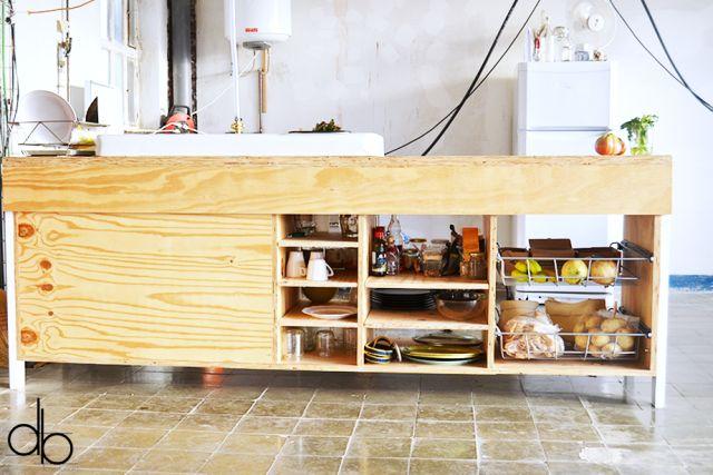Mueble cocina.  Contrachapado de pino marino  Diseño Pedro Pineda y fabricacion Jorge Centurion y pedro pineda  Fabricado en el taller, betahaus barcelona