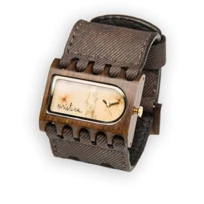 Ferro Coffe Jean with Pui wood and REAL hydrangea petels pressed inside the timepiece.en vente chez Dominic Dufour Joaillier, 150 chemin de la Grande-Côte, Rosemère Qc.