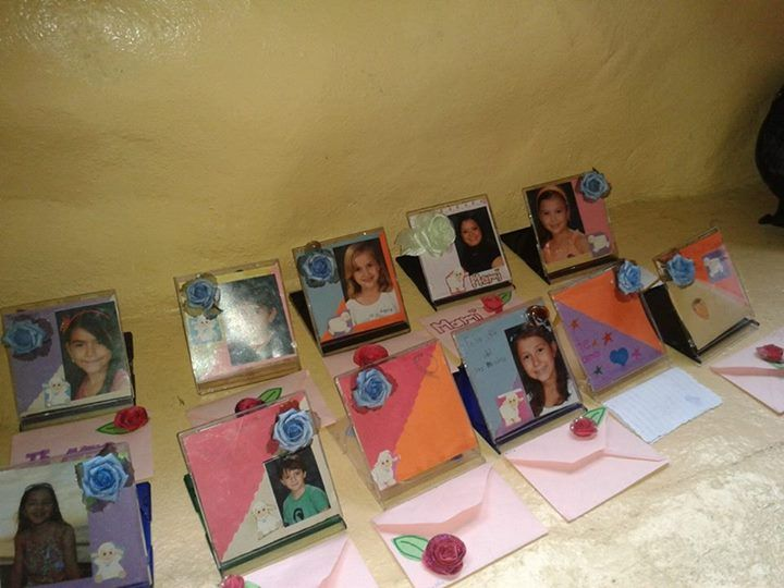 Portaretratos hechos con cd s y sobres hechos con papel - Manualidades de papel reciclado ...
