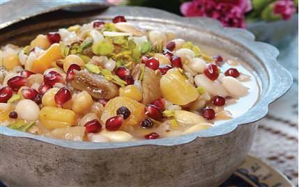 Geleneksel Türk tatlısı saray aşuresi tarifi