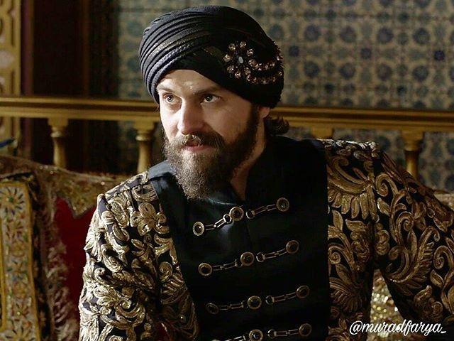 Sultan Murad's gold-black costume #kosemsultan #season2 #tvseries