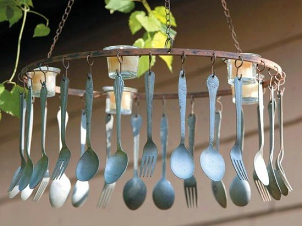 #9. Wind Chimes -10 Brilliant DIY Projects to Repurpose Spoons