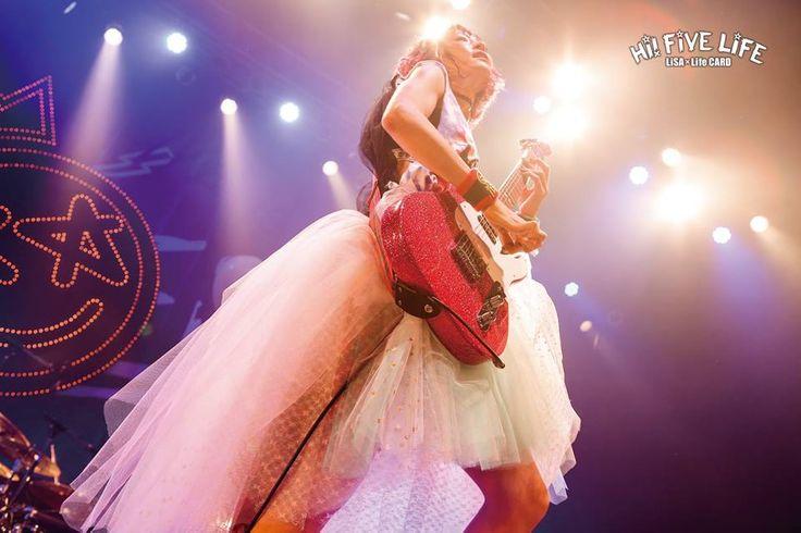 LiSA Hi! Five tour wiith her guitar