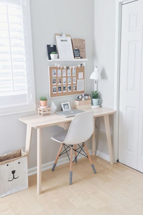 Cute desks for small spaces - ideas for wall decorations. For more visit ITALIA POSTERLI ...