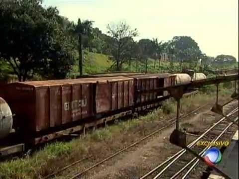Trens do Brasil: Vagões e Locomotivas Estão Abandonados em Iperó-SP