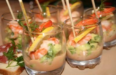 750 grammes vous propose cette recette de cuisine : Verrines à l'avocat et crevettes. Recette notée 4/5 par 163 votants