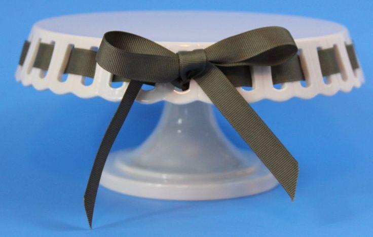 Martha Stewart Cake Stand Display White Ceramic Green Ribbon Baking 2011  #MarthaStewart