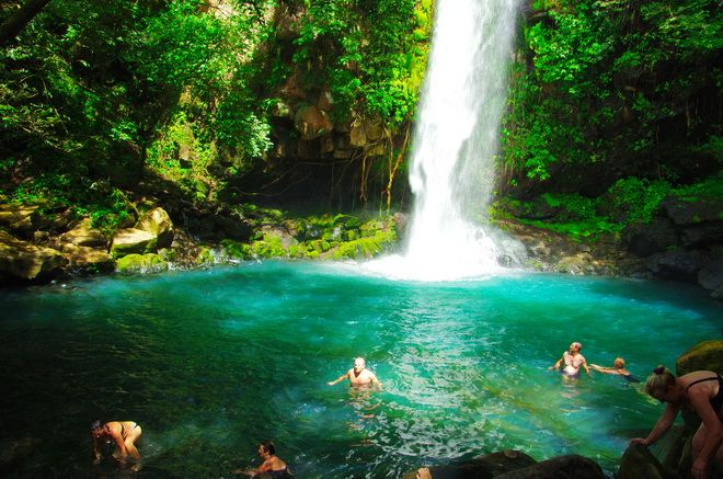 A hike to this beautiful waterfall and then a swim in Rincon de la Vieja NP in #CostaRica